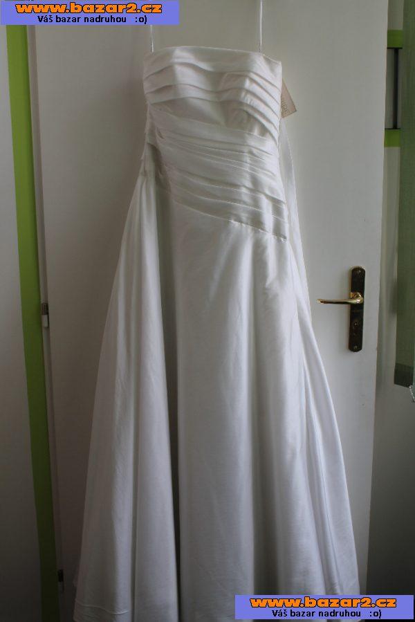 16d74a239f67 Prodám šampáň svatební šaty z taftu. Perfektně sedí