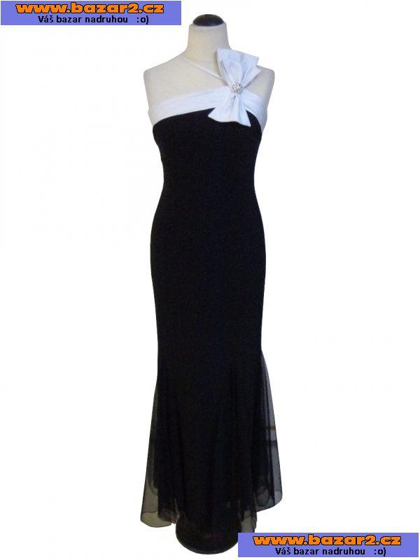910584743acf Prodám exkluzivní dlouhé maxi šaty s asymetricky řešeným živůtkem s ozdobou  a ramínky