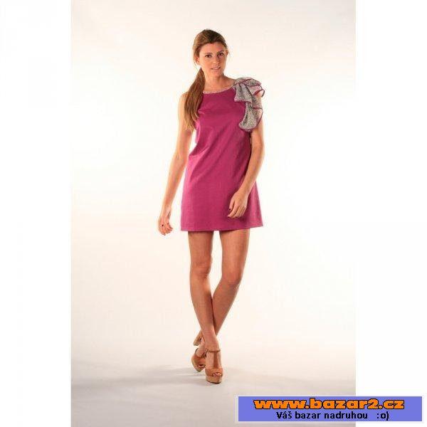 67ab9e6fe050 Dámské šaty Beste Bat