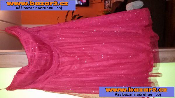 98f9283d2109 Nabízím k prodeji plesové šaty vel. 40. Šaty jsou červené