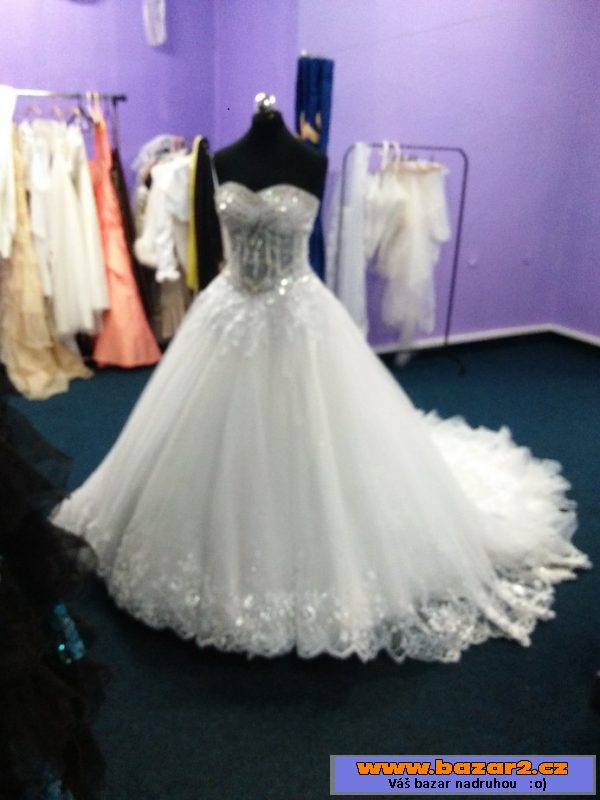 Princeznovské svatební šaty Princeznovské svatební šaty Princeznovské svatební  šaty 689590f499