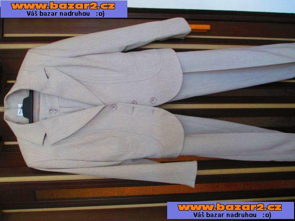 2a5d0fca094f Prodám nový lehčí kalhotový kostým smetanové barvy