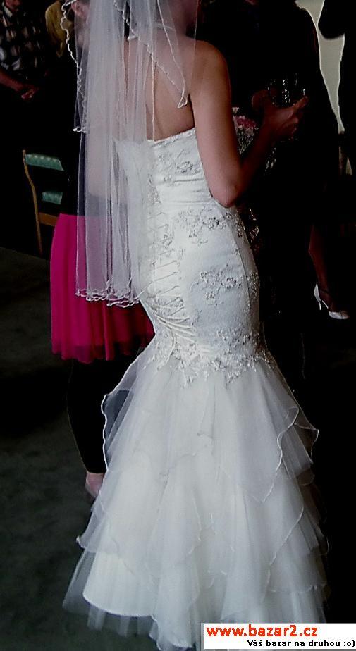 7ef66dafc6d5 Svatební šaty - model ve tvaru