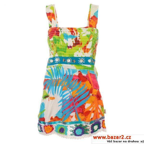 ace620e621e0 Dámské pestré šaty s háčkováním Savage Culture Veselé letní šaty se  širokými ramínky mají žabičkovaný živůtek