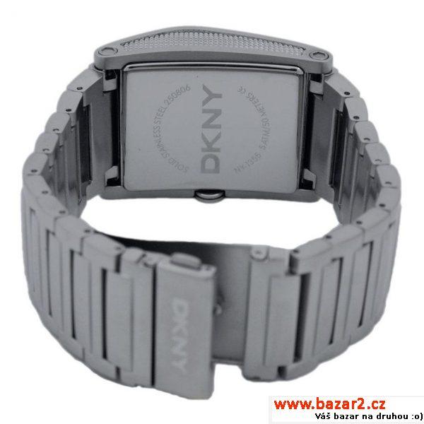 f8fa8858f66 Dámské náramkové hodinky DKNY